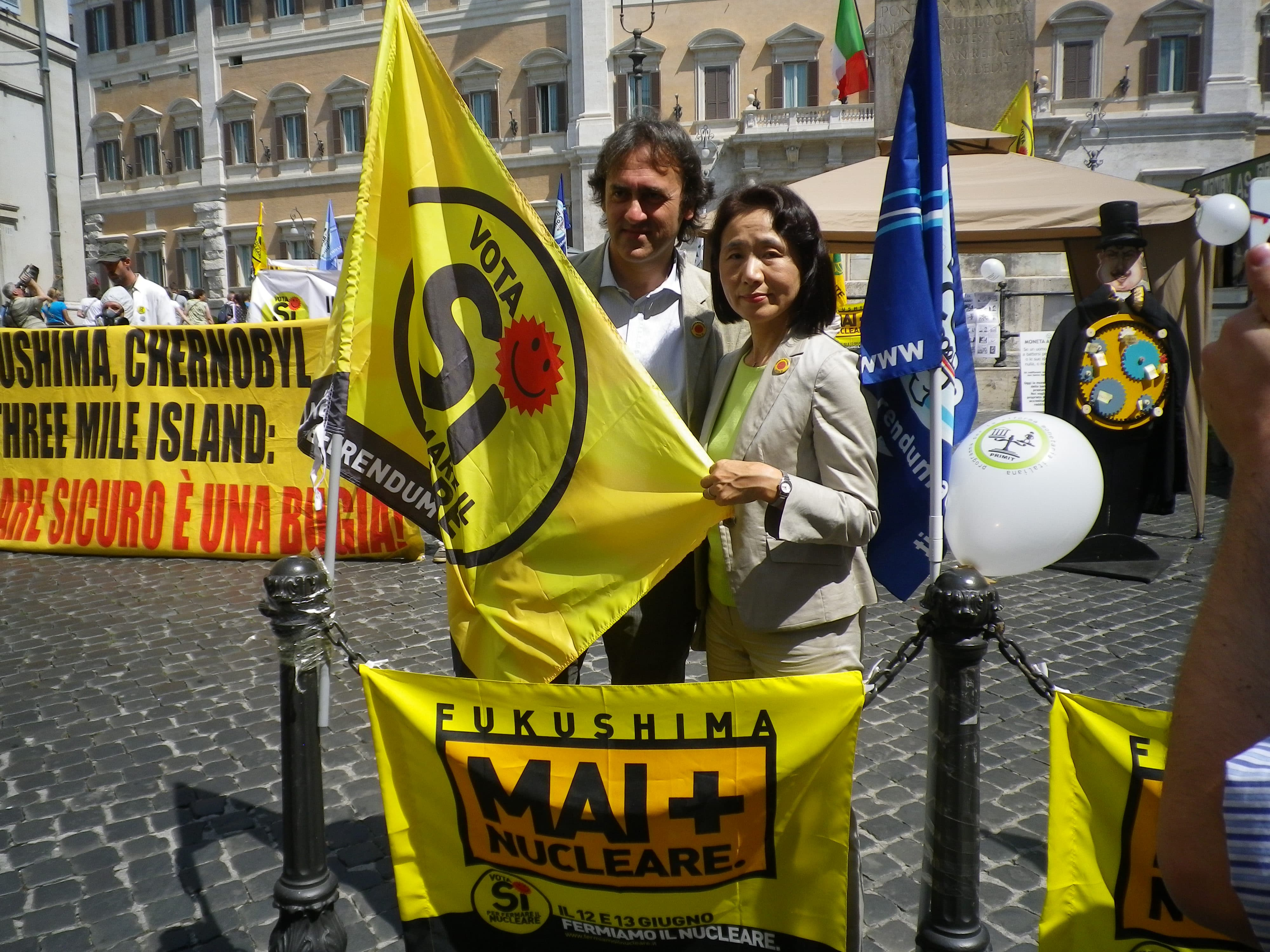 Satoko Watanabe invited by the Greens in Italy. She reported on Fukushima before the referendum on nuclear energy policy.