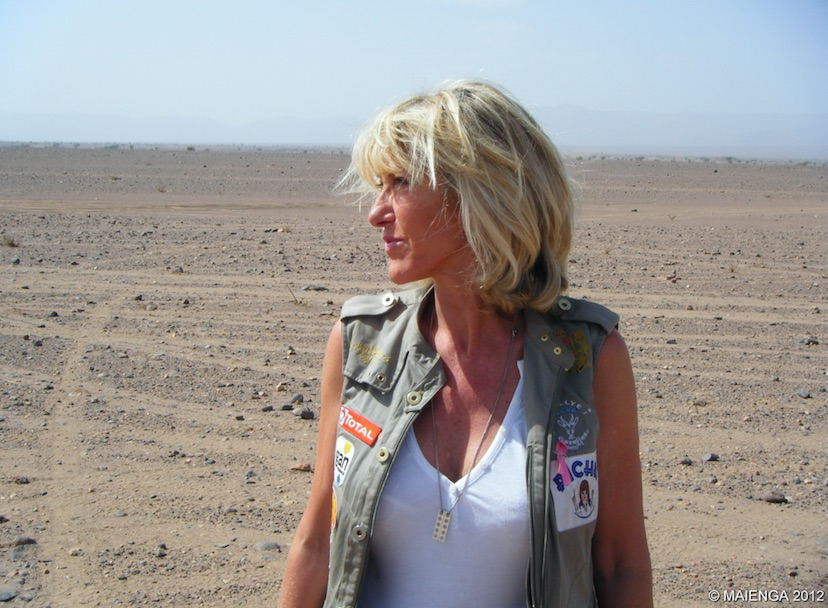 Dominique Serra in the Moroccan desert. Photo by Maienga.